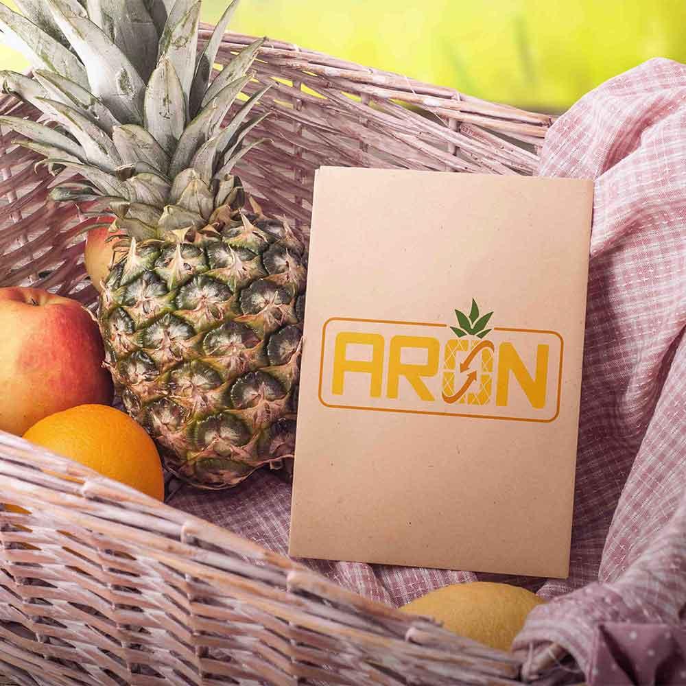 موکاپ سبد میوه طراحی لوگو برند صادرات میوه آران