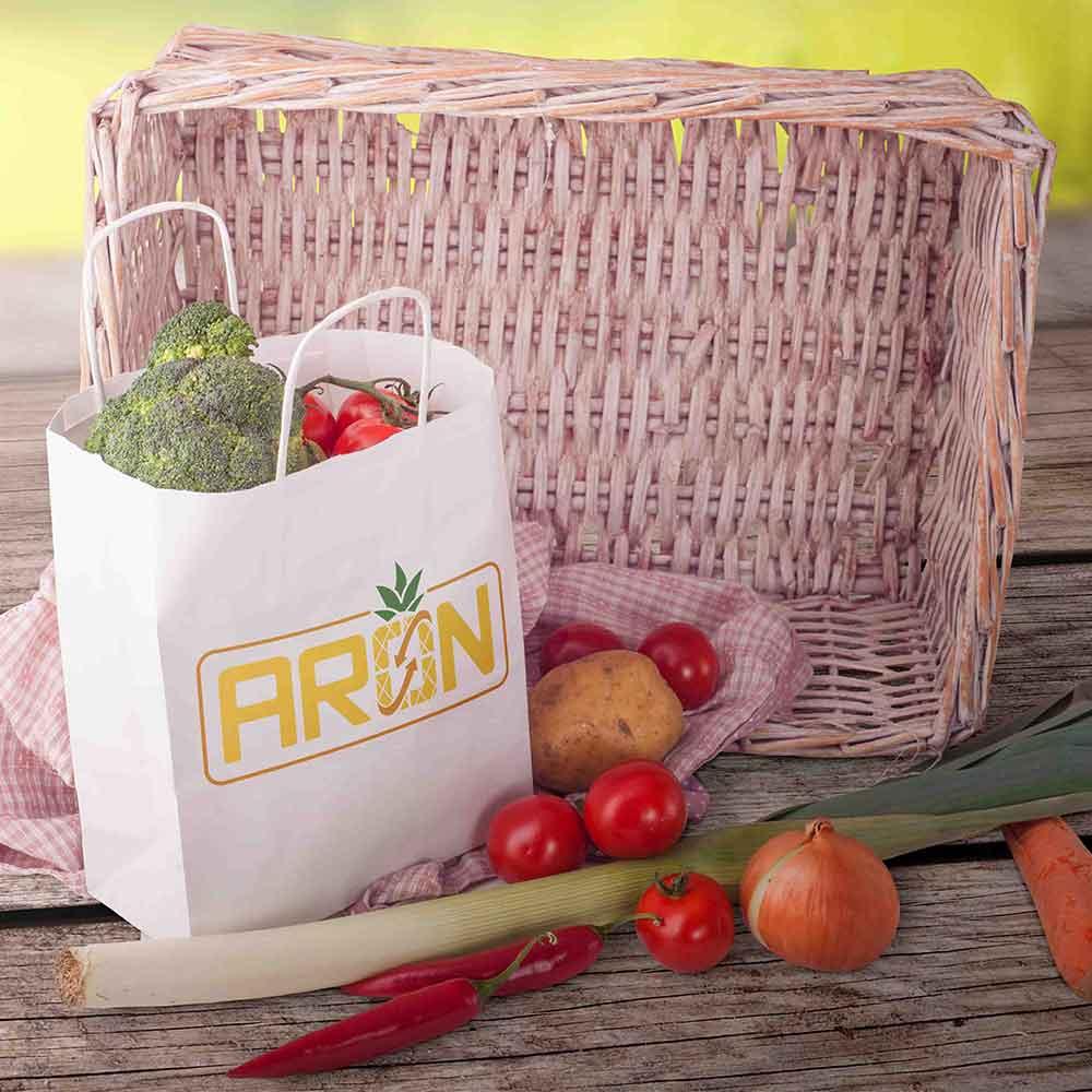 موکاپ جعبه میوه طراحی لوگو برند صادرات میوه آران