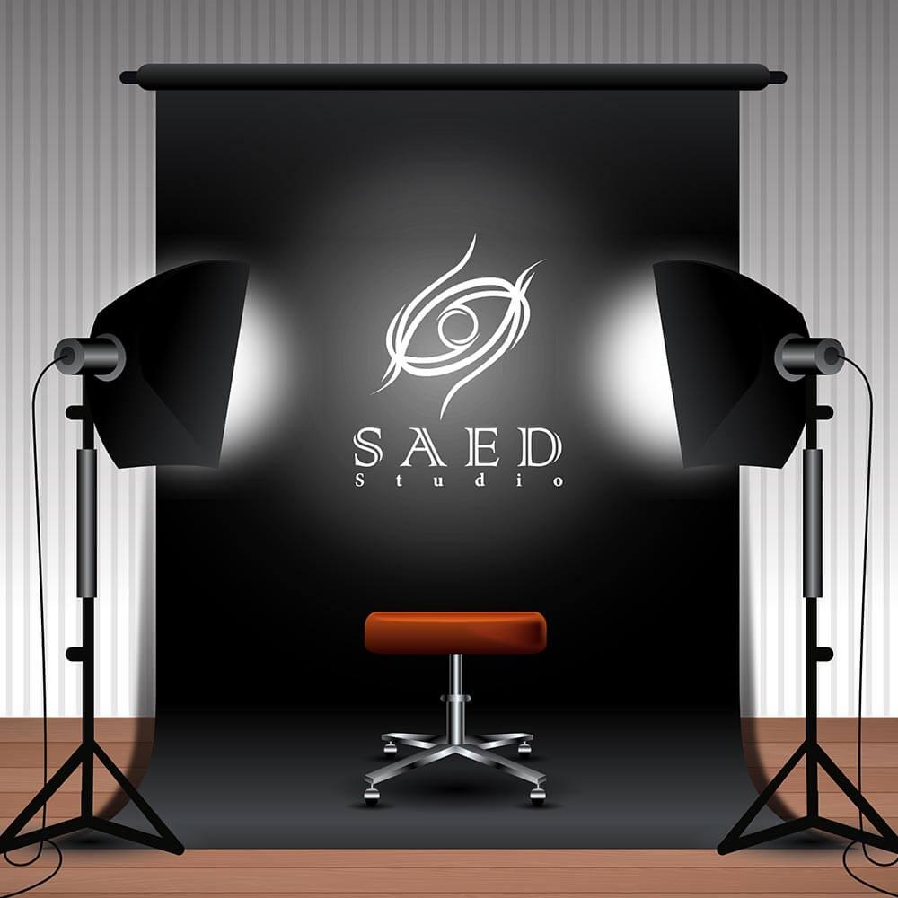 موکاپ استودیو طراحی لوگو استودیو عکاسی و فیلمبرداری ساعد